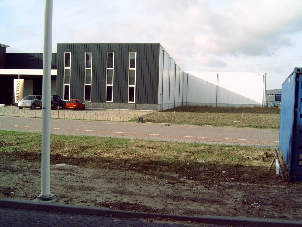 Nieuwbouw en uitbreidingen bedrijfshal in Wormerveer