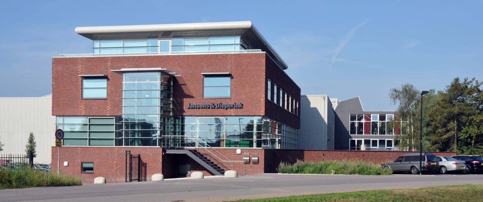 Nieuwbouw kantoor Jansens & Dieperink te Zaandam